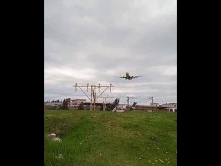 Самолёт Новосибирск-Сочи «промахнулся» мимо взлётно-посадочной полосы