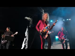 Metallica «Группа Крови» Металлика КИНО ('Groupah krovee' Viktor Tsoi) Moscow Luzhniki