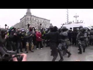 Микро-блог ценителя истории Чеченец мирный манифестант.mp4