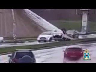 Таганрожец угнал у сестры Kia Picanto и перевернулся на нем в районе Марцевского треугольника