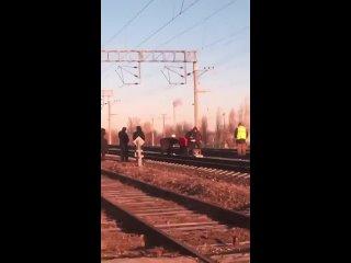 Грузовой поезд сбил человека под Волгоградом