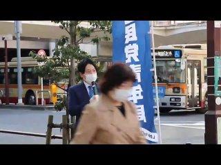 В Японии мужчины-депутаты надели искусственные животы, чтобы понять, как себя чувствуют беременные-1.