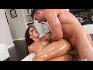 Adriana Chechik ( Анал, Жесткий секс, Русское домашнее порно, Молодые девушки, Большие сиськи, Упругие задницы, Групповуха )