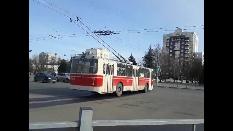 Троллейбус № 206 ЗиУ 682Г ГОО маршрут 8 Ретро троллейбус проезжает через площадь Победы