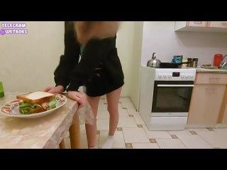 сестра отсосала и дала за бутерброд  инцест порн брат секс сестр нк трахаю домашн ебл ебут девочк молод девушк минет трах сосу ч