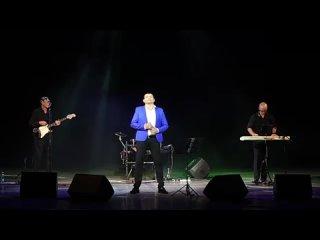 Алмас Багратиони - Храни, Господь, семью! (Live).mp4