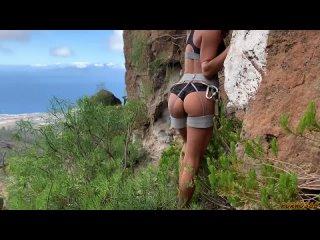 Порно | Тренировка скалолазки на вершине завершилась желанным сексом