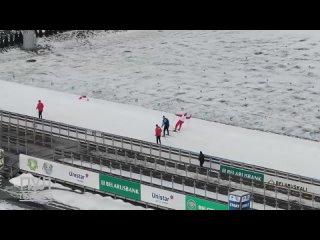 Лукашенко принял участие в лыжной эстафете. Соперники старались изо всех сил, но обогнать никто не смог