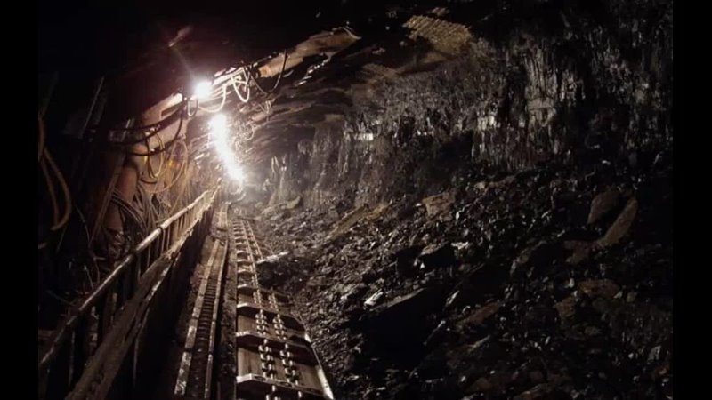 В Китае более 20 человек застряли в угольной шахте из за аварии