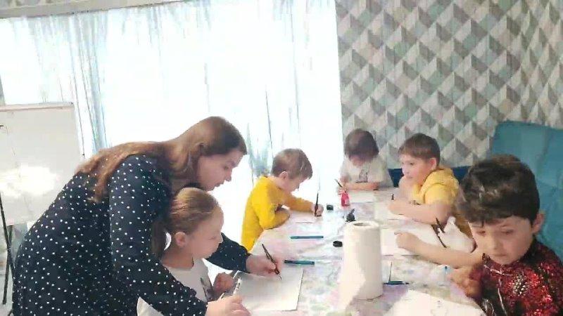 Урок каллиграфии у группы на семейном обучении | Calligraphy Drills at Family Education group