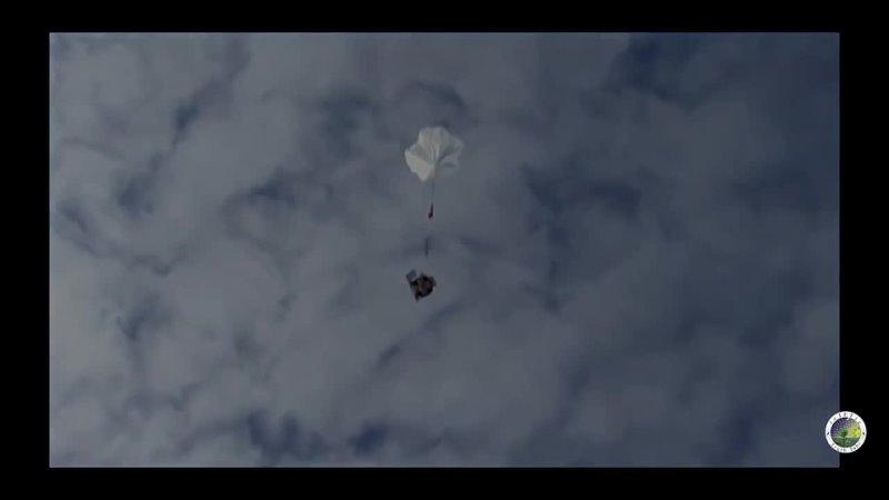 🏗️🎈Les Ballons Satellites se crach sur la tête des gens dans leurs jardin où en plein centre ville
