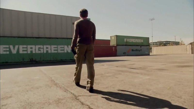 В сериале Декстер показано как ребёнка спасают из контейнера Evergreen Совпадение