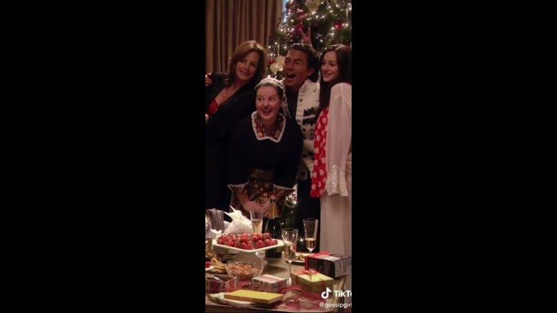 Сплетница Gossip Girl Merry Christmas