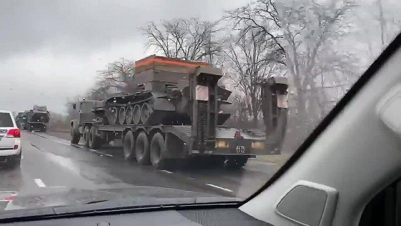 Колонны украинских войск по Мариуполем