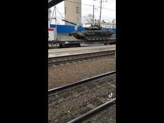 Части 76-й ГДШД прибыли в Симферополь.mp4