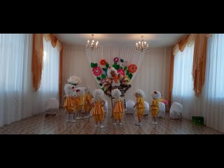 """6. Танец """"Курочка с  цыплятами"""""""