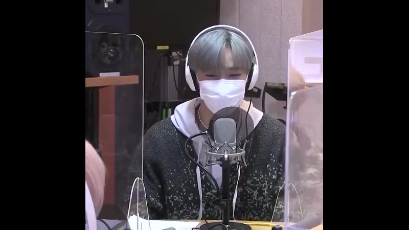 CIX Seunghun mentioned BAEKHYUN on radio Id like to say I love you Really Im learning lots from Sunbaenims voice