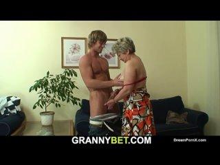 Грубо Трахнул Девку | Жёсткий Секс и Ебля | Хардкорное Порно | Hardcore Porn | Порнуха Granny sucks stranger's big cock