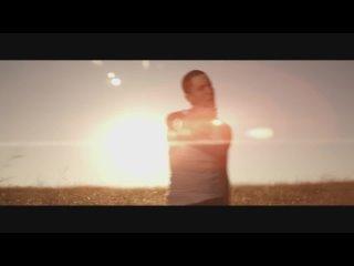 Eminem – Love The Way You Lie (feat. Rihanna)
