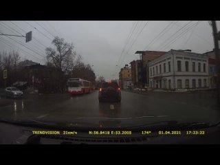 Момент ДТП наезд на пешехода на ул. Горького.