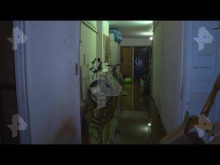 В одном из домов Петербурга прорвало пожарный гидрант