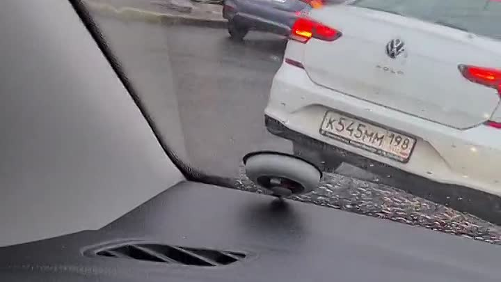 Авария на съезде с Благовещенского моста. Минус 2 полосы.