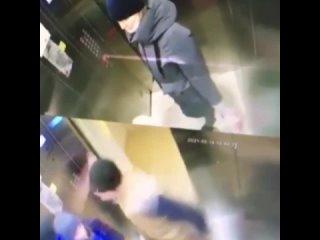 В Перми мужчина избил 10-ленего мальчика в лифте