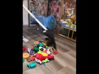 когда попросила мужа убрать игрушки 😂😂😂