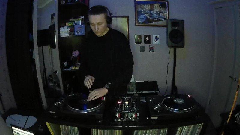 Nick UW deep sound vinyl dj set