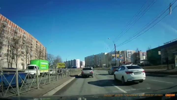Ищем свидетелей ДТП сегодня утром на пр. Большевиков. Предполагаемый виновник ДТП, водитель автомоби...