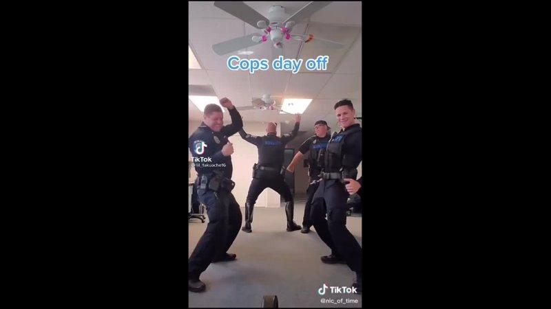 Копы танцуют под I hate niggers