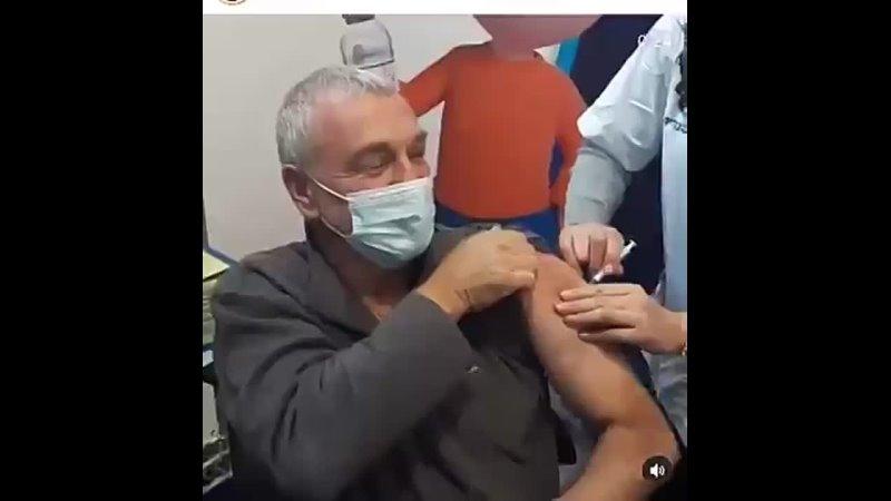 Así se vacuna la élite Sin aguja Sin líquido en la jeringuilla Sin empu Source mp4