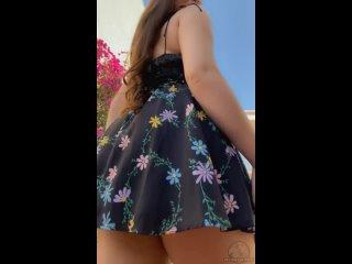 Во дворе жилого комплекса  Самые горячиe девочки порно секс минет сиськи жопа молодая дрочит пизду