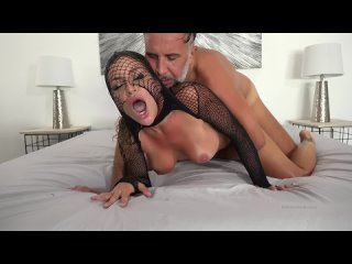 [Onlyfans] Kissa Sins - Homemade Sex Tape With Keiran Lee
