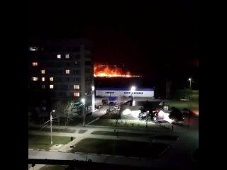 🔥 В пятницу, 16 апреля, в Сасово Рязанской области горели поля. Видео разместили в группе «Сасово Online».«Вчера трава горела
