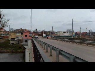 09 апреля 2021 в г. Гвардейск дорожные службы убирают разводной мост после зимы.