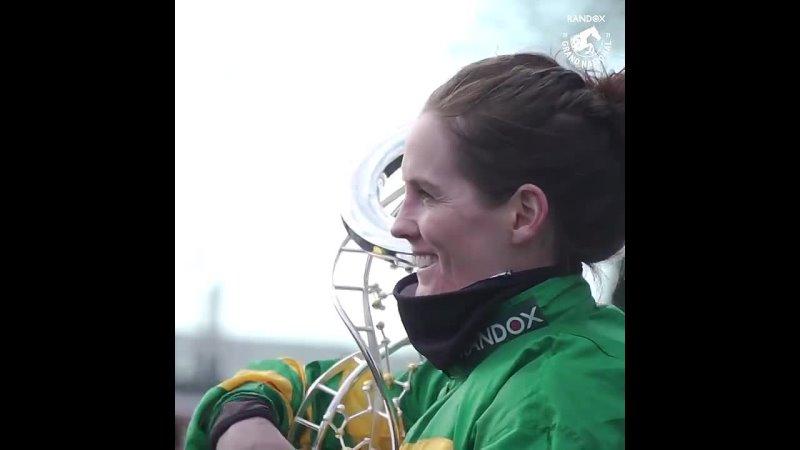Rachael Blackmore первая в истории женщина выигравшая Большой Ливерпульский стипль чез
