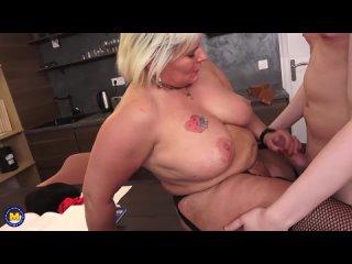 Трахает толстую француженку, sex milf bbw mature french porn fat ass anal tit boob fuck mom HD (Инцест со зрелыми мамочками 18+)