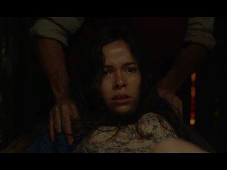Девушку отдали на изнасилование монстру (осьминог насилует девушку во все дыры, жестко трахает в жопу и в рот, сперма вытекает)