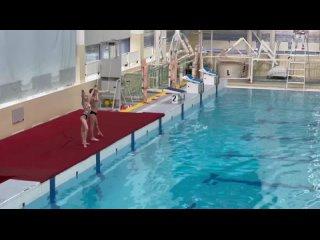 Наше первое выступление .Первенство ВоВиС по синхронному плаванию.