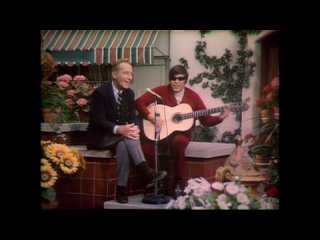 "Bing Crosby & Jose Feliciano ""Mama Dont Allow"" (1968)"