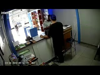 Black man robbing white store and doing badly. Part1