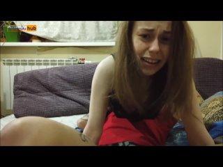 Скачет на лице ( Кунилингус Любительское young facesitting orgasm cunnilingus femdom russian dirty talk amateur homemade teen