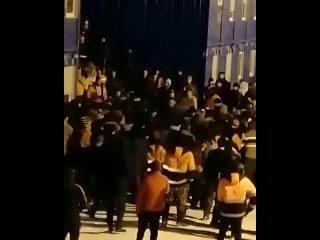 В Мурманской области на стройке «НОВАТЭКа» подрались рабочие. В ходе массовой потасовки пострадали шесть человек.