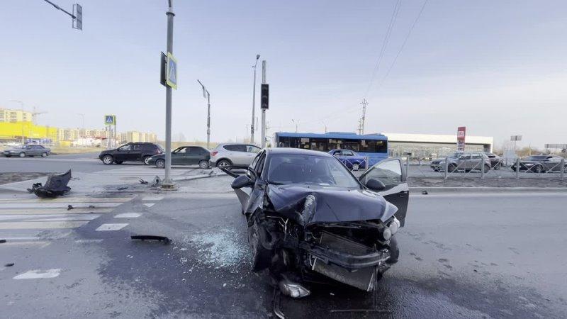 Авария у Ленты 16 апреля