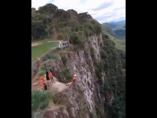 А вы бы решились на такой прыжок... f ds ,s htibkbcm yf nfrjq ghs;jr... f ds ,s htibkbcm yf nfrjq ghs;jr... f ds ,s htibkbcm yf