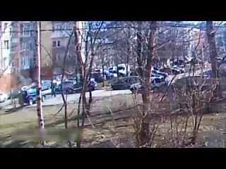 Драка у магазина ЭКСКЛ.mp4