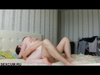 Приятно проводят выходной дома (Русское порно Большие натуральные сиськи HD Домашнее Толстушки My Wife)