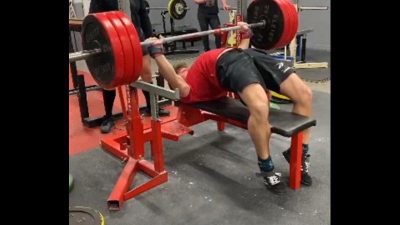 Emil Lundgren жмёт лёжа 170 кг на 3 повторения