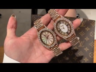 Женские часы со стразами сверкающие
